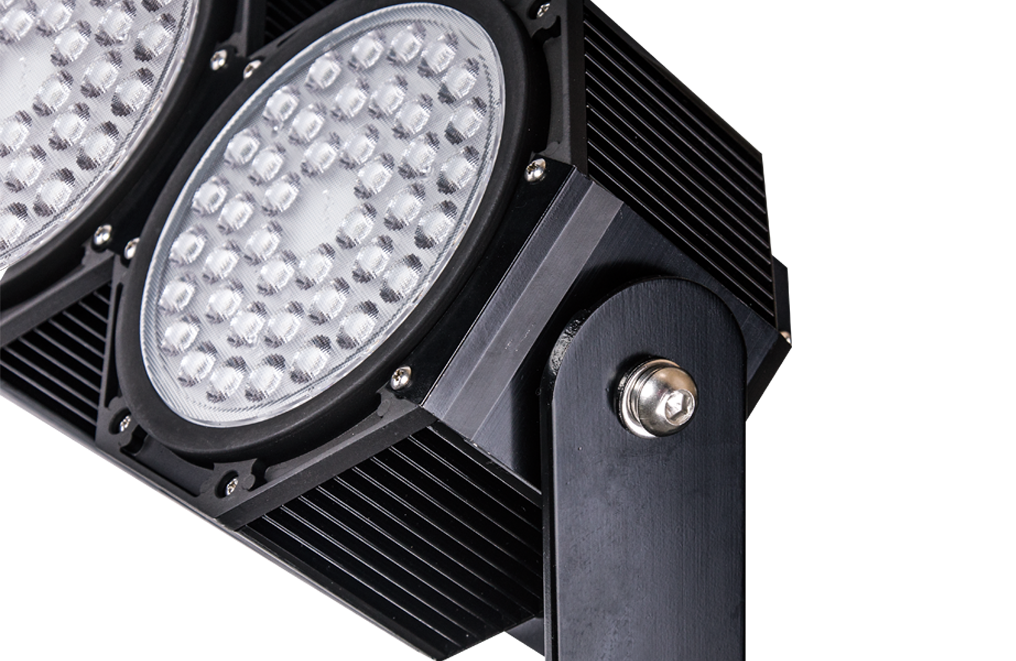FARI DA STADIO A LED 840W 5000K